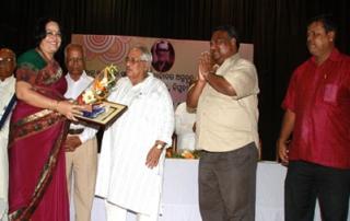 Joint Registrar, KIIT Receives Prestigious Prananath Samman-2013